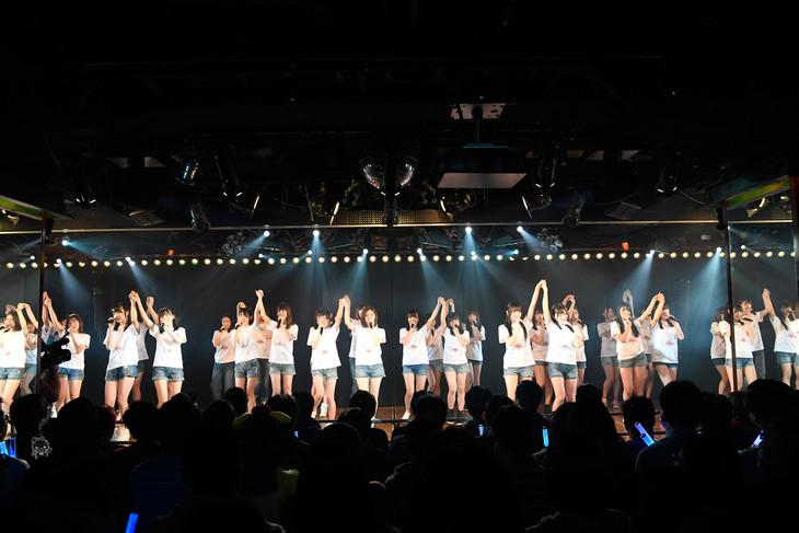 「東日本大震災復興支援特別公演~誰かのためにプロジェクト2017~」AKB48劇場の様子。(c)AKS