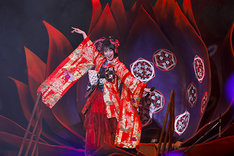 水樹奈々「NANA MIZUKI LIVE ZIPANGU 2017」最終公演の様子。(Photo by hajime kamiiisaka)