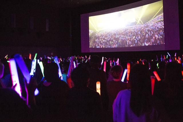 GACKT「シアター☆ライブ『GACKT JAPAN TOUR 2016 LAST VISUALIVE 最期ノ月 -LAST MOON-』」の様子。(Photo by ATZSHI HIRATZKA)