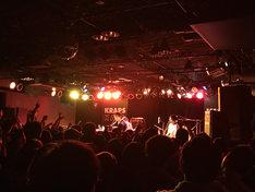 「めちゃ×2魔法を叶えてっ!ツアー」北海道・札幌KRAPS HALL公演の様子。