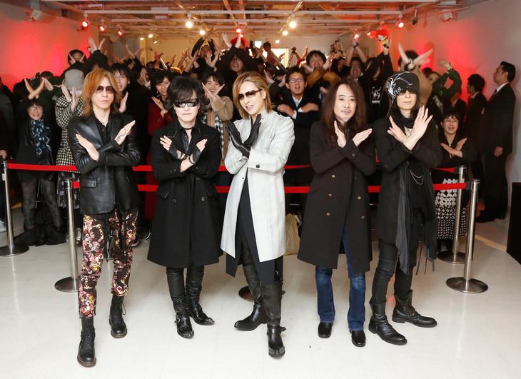 X JAPANとファン。(Photo by Yoshika Horita)