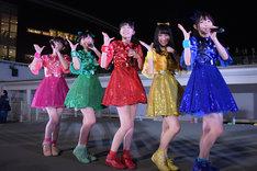 ときめき▽宣伝部「ときめき▽宣伝部~ときめき▽イエロー 永坂真心ラストライブ~」ららぽーと豊洲シーサイドデッキ メインステージ公演の様子。