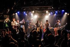 "「R-BROS.FEST 2017""前夜祭""」の様子。(Photo by HAJIME KAMIIISAKA)"