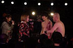 ライムベリーチーム対スギム(クリトリック・リス)&吉田靖直(トリプルファイヤー)のMCバトル。