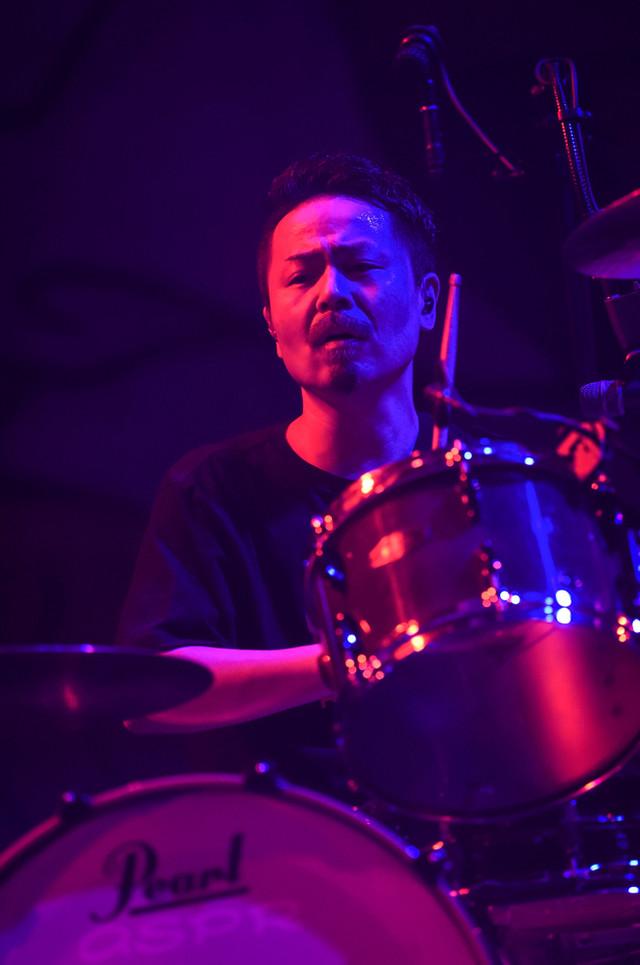 KOUICHI(Dr / 10-FEET)(撮影:釘野孝宏)