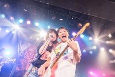 左から大森靖子、の子。(Photo by Masayo)