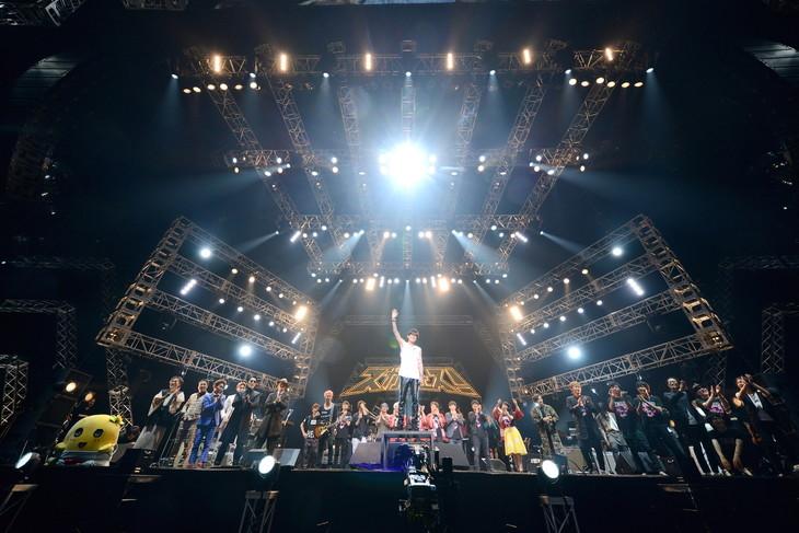 「SUGA SHIKAO 20th ANNIVERSARY『スガフェス!~20年に一度のミラクルフェス~』」の様子。(撮影:半田安政)