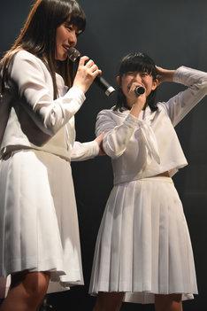 アイドルネッサンスの一員となった喜びを語る原田珠々華(右)。