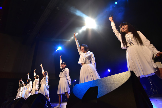アイドルネッサンス結成3周年記念公演「シナガワで3周年を感謝するネッサンス!!」の様子。