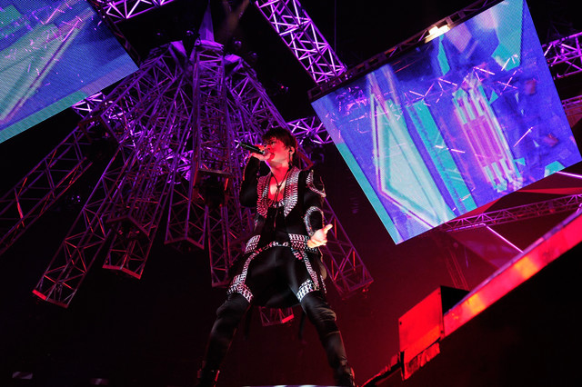 T.M.Revolution「T.M.R. LIVE REVOLUTION'17 -20th Anniversary FINAL-」の様子。