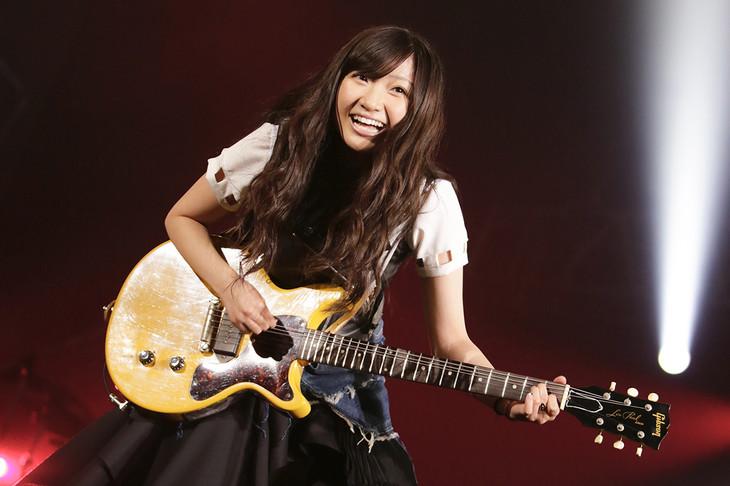 有安杏果「ココロノセンリツ ~Feel a heartbeat~ Vol.0」神奈川・横浜アリーナ公演の様子。(写真提供:キングレコード)