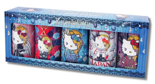 「yoshikittyプリントクッキー5缶セット」パッケージ(c)1976, 2017 SANRIO CO., Ltd. APPROVAL NO.8580572 (c)2009, 2017 Japan Music Agency Co., Ltd.