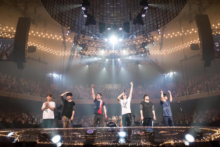 flumpool「flumpool 8th tour 2017 Beginning Special『Re:image』at NIPPON BUDOKAN」の様子。(撮影:ヤオタケシ)