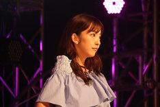板野友美(写真提供:キングレコード)