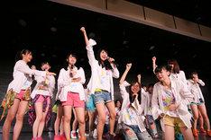 東京・AKB48劇場にて行われた「AKB48 49thシングル選抜総選挙」速報発表でのNGT48メンバー。(c)AKS