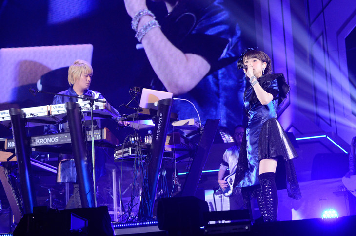 fripSide「fripSide LIVE TOUR 2016-2017 FINAL in Saitama Super Arena-Run for the 15th Anniversary-supported by animelo mix」の様子。
