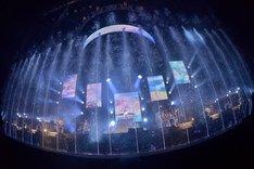 "「miwa ARENA tour 2017 ""SPLASH☆WORLD""」さいたまスーパーアリーナ公演の様子。(撮影:古溪一道)"