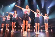 「東京パフォーマンスドール 4th Anniversary ダンスサミット」初日公演の様子。(写真提供:EPICレコードジャパン)