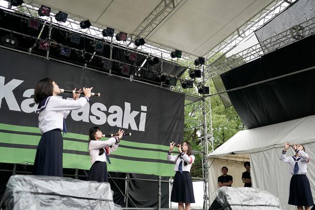 新しい学校のリーダーズ(Photo by HIROKAZU)