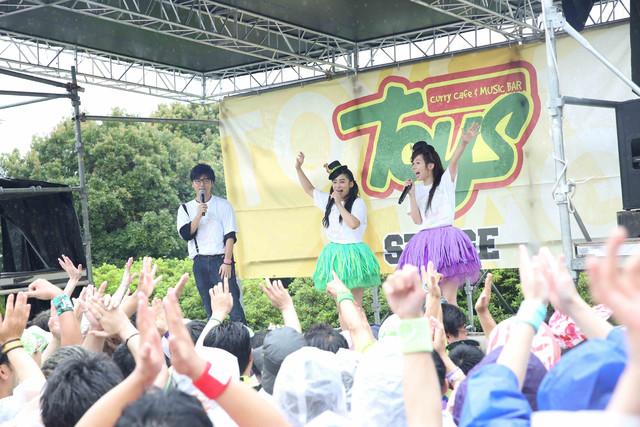 左から永岡歩アナウンサー、RADIO CBC。(撮影:笹森健一)