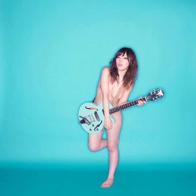 人気画像5位は「藤田恵名ニューアルバム『強めの心臓』発売、ヌードで攻める脱衣盤あり」より、藤田恵名。