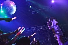 藤田恵名 バースデーワンマンライブ「あとはねるだけ?」の様子。