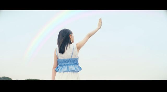 HKT48「キスは待つしかないのでしょうか?」のミュージックビデオのワンシーン。(c)AKS