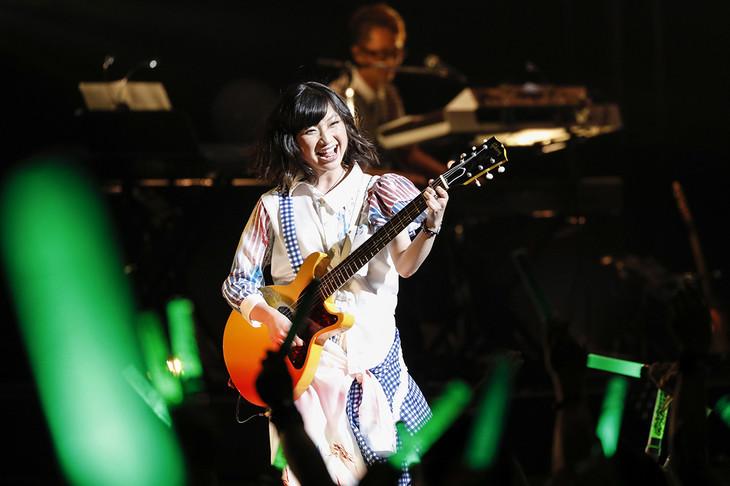 有安杏果「ココロノセンリツ ~Feel a heartbeat~ Vol.1」東京・東京国際フォーラム ホールA公演の様子。(photo by HAJIME KAMIIISAKA+Z)