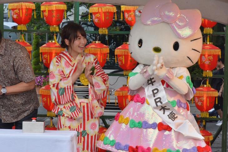 「みやざきグルメとランタンナイト」のオープンニング点灯式にSKE48の大場美奈。 (写真提供:エイベックス)