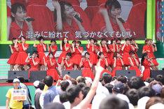 NGT48(「TOKYO IDOL FESTIVAL2017」出演時の様子)
