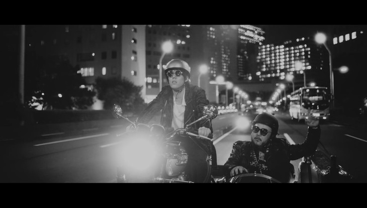 "SOIL & ""PIMP"" SESSIONS feat. Yojiro Noda「ユメマカセ」MVのワンシーン。"