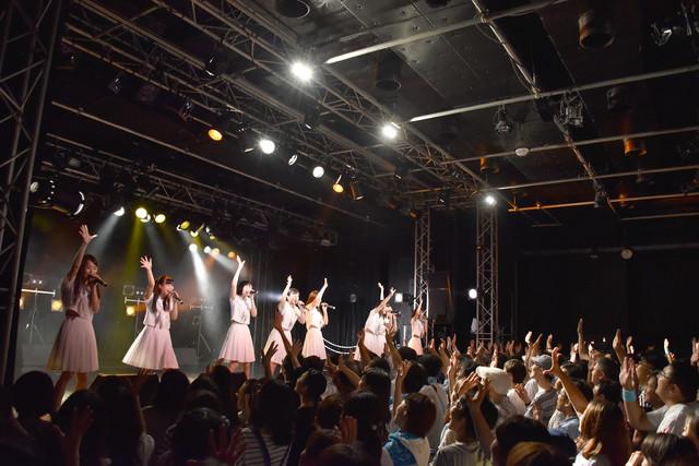 アイドルネッサンス サマーツアー 2017「君と夏を交感するネッサンス!!~Road to Brand New Dawn~」東京公演の様子。