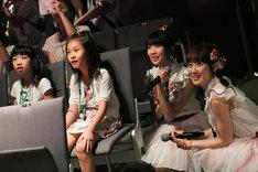 「NGT48劇場お仕事体験」の様子。(c)AKS