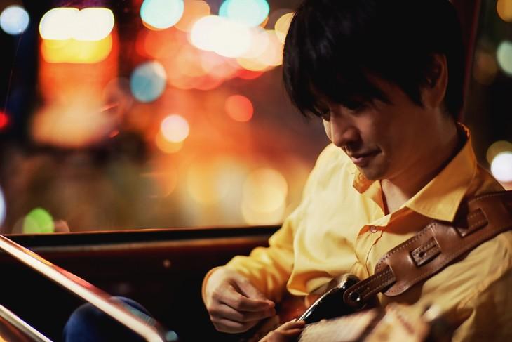 小沢健二の新たなアーティスト写真。