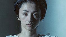 満島ひかり「群青」ミュージックビデオのワンシーン。
