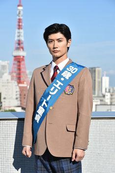 「オトナ高校」で主演を務める三浦春馬。(c)テレビ朝日