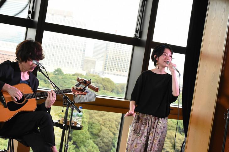 moumoon(写真提供:TOKYO FM)