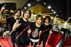 左からu:zo(B)、Ryo Yamagata(Dr)、INORAN(Vo, G)、Yukio Murata(G)(Photo by RUI HASHIMOTO[SOUND SHOOTER])
