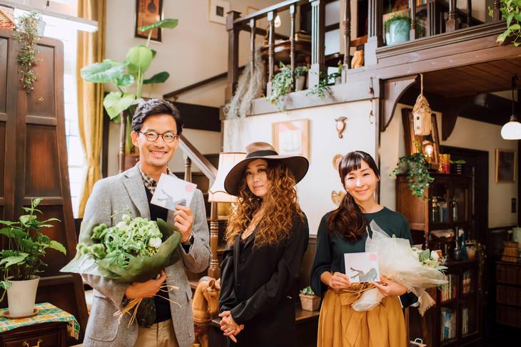 左から竹野内豊、JUJU、麻生久美子。
