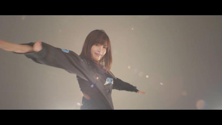 NONA REEVES「Sweet Survivor」ミュージックビデオのワンシーン。