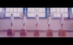 ロッカジャポニカ「わたしの地図」のミュージックビデオのワンシーン。