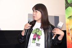 ハルクのTシャツに「バトルロイヤル」をイメージした鋲付き革ジャンを合わせた光岡三ツ子。