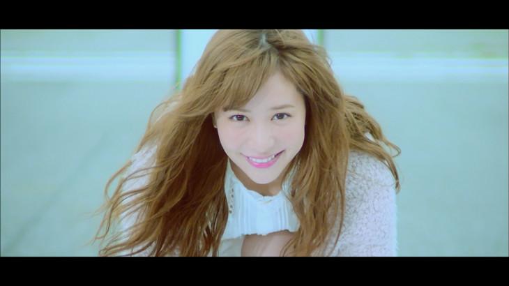 河西智美「STAR-T!」ミュージックビデオのワンシーン。