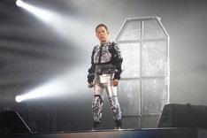 凛々しい表情でステージに現れた岡村隆史。(写真提供:ニッポン放送)