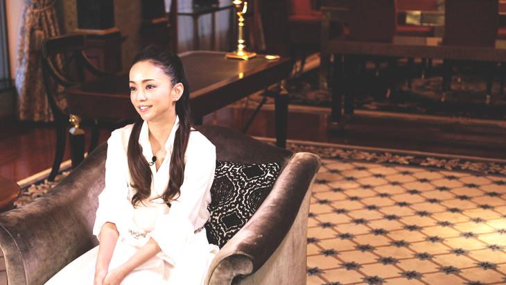 Huluのインタビューに応じる安室奈美恵。