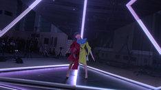 「FUSION」中継映像のワンシーン。 (c)docomo FUTURE-EXPERIMENT VOL.01 距離をなくせ。