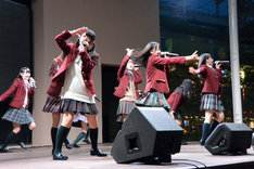=LOVE「僕らの制服クリスマス」発売記念イベントの様子。