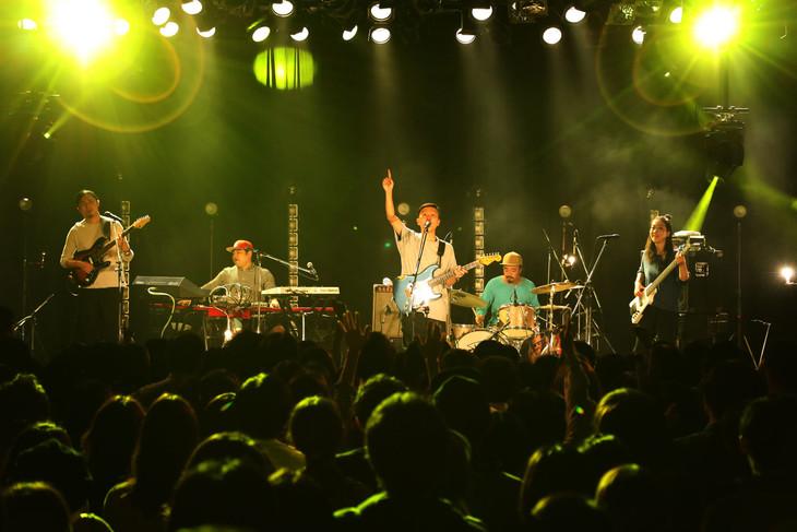 bonobos「DOKI DOKI ▽ ていく・おふ!」東京・LIQUIDROOM公演の様子。(Photo by Yumi Ikenaga)