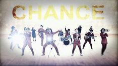 Calmera「CHANCE」ミュージックビデオのワンシーン。
