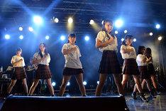 転校少女歌撃団 4thワンマンライブの様子。